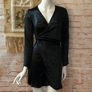NEW Boohoo 4 Verity Satin Belted Wrap Dress Black